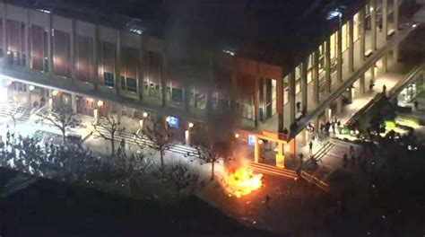 Free speech? Milo Yiannopoulos Berkeley protests lead to