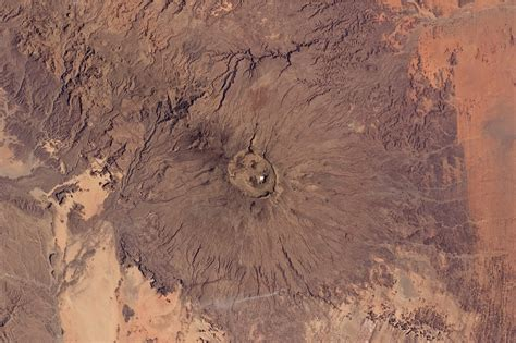 File:Emi Koussi Volcano, Chad From ISS