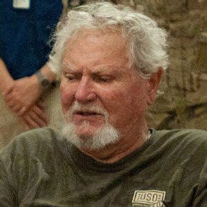 Clive Cussler - Bio, Facts, Family | Famous Birthdays