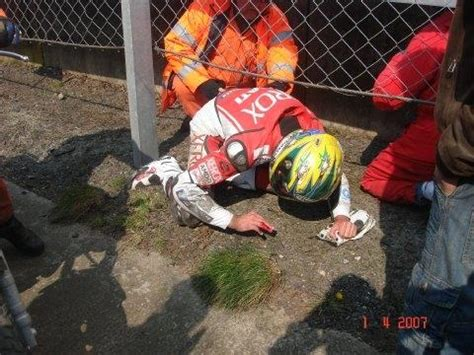 Picture Exclusive: Bayliss injured   MCN