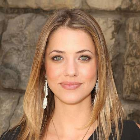 Julie Gonzalo Bio fact of age,height,net worth,salary