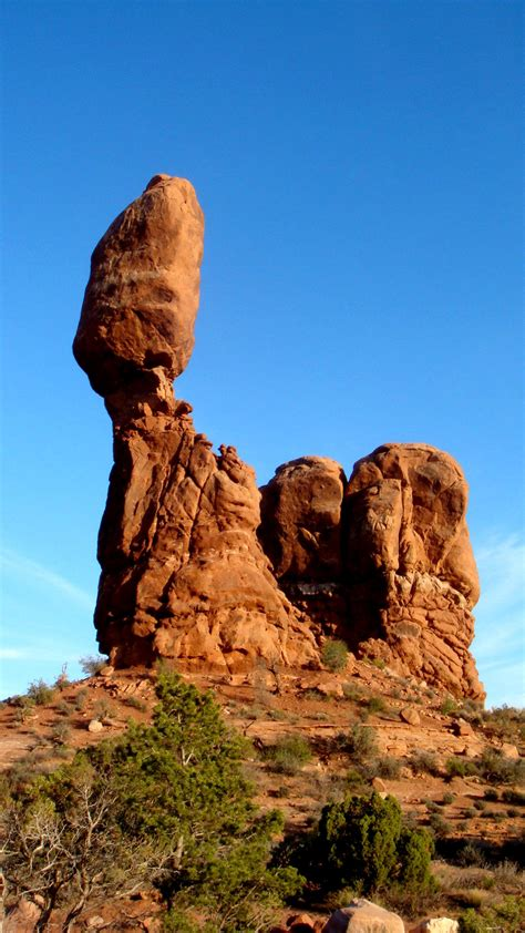 Balanced Rock - Arches National Park - Your Hike Guide