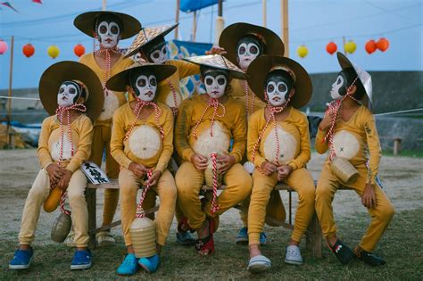 Pictures of the Obon Festival of the Dead in Japan