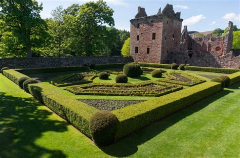 Building a Mystery: Edzell Castle & Gardens - Traveling Savage