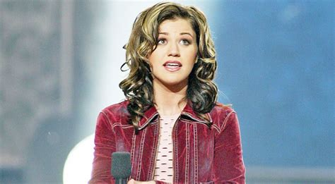 Before Idol, Kelly Clarkson Admits She Never Wanted To Be